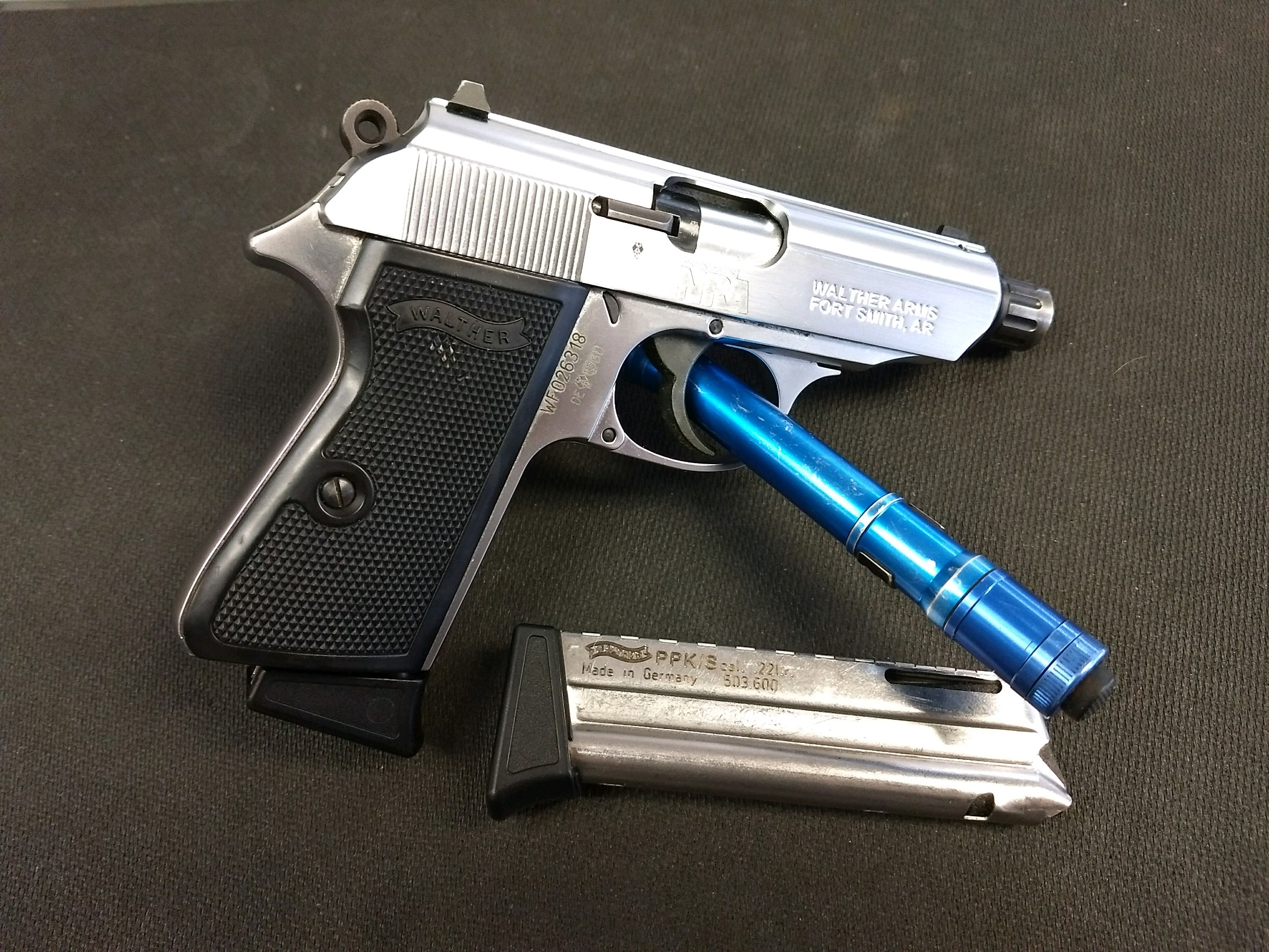 PPK/S 22LR Stainless threaded Barrel w/2mags Made in Germany